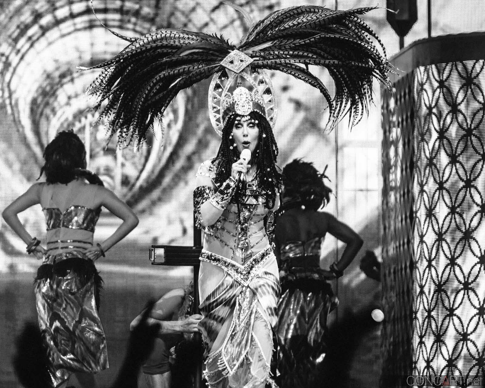 Cher photo by Sean Molin 19