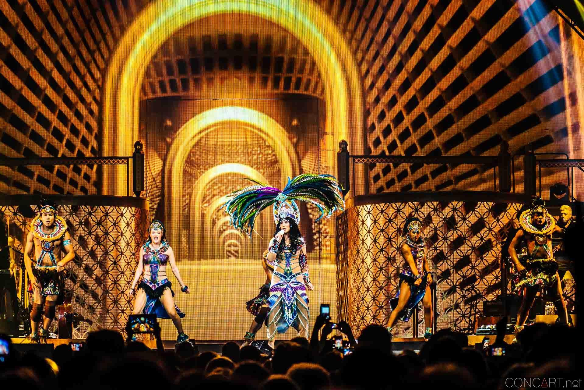 Cher photo by Sean Molin 18