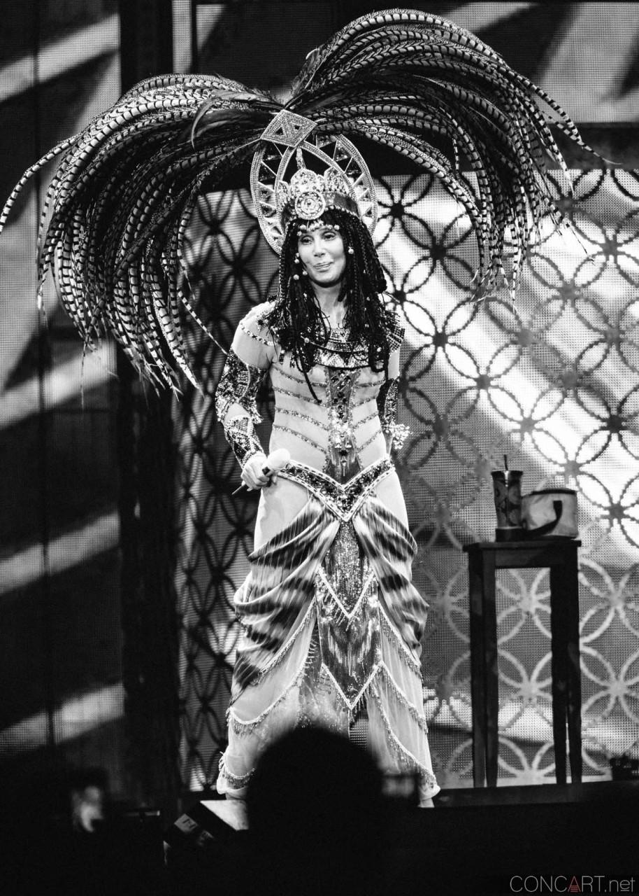 Cher photo by Sean Molin 16