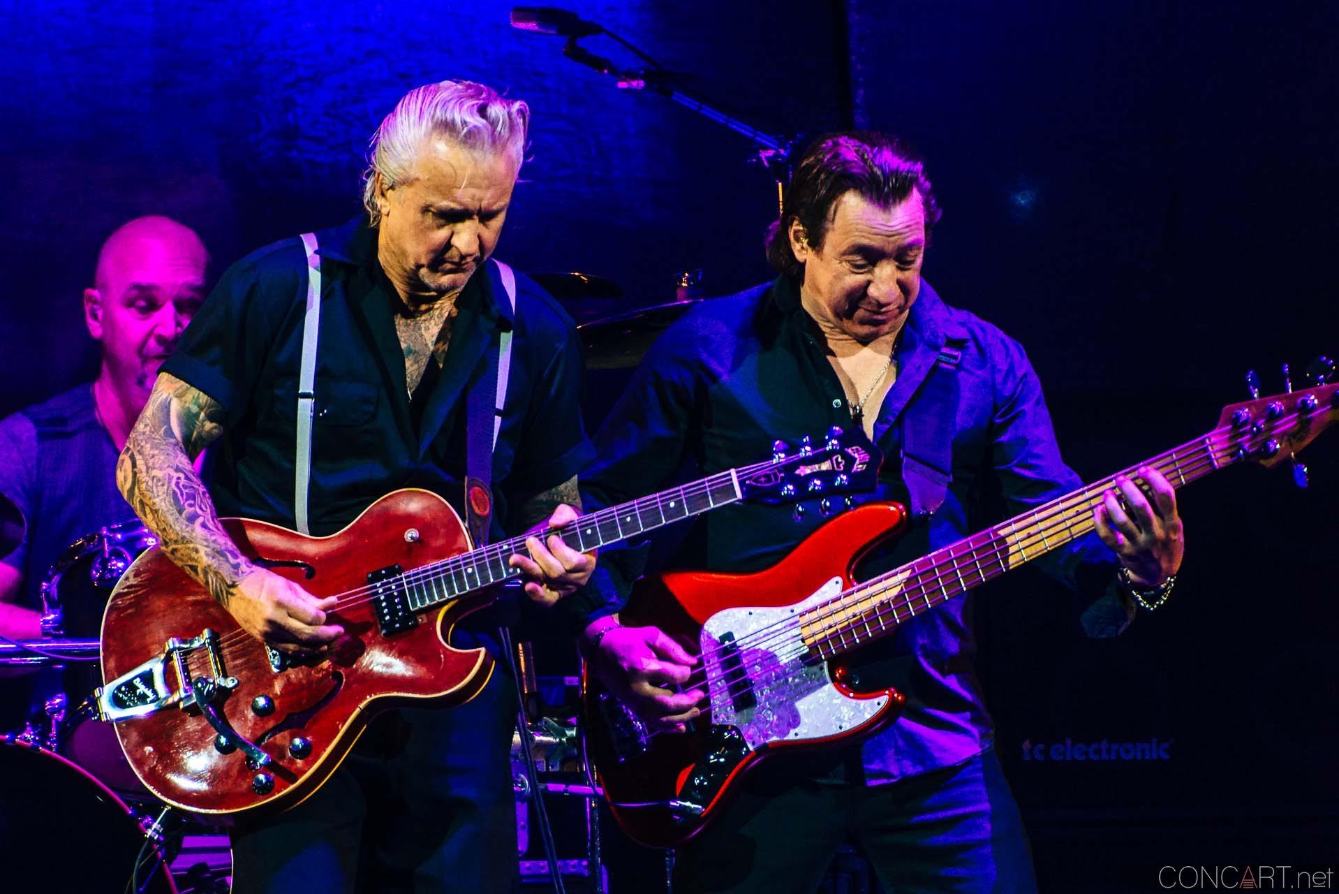 Pat Benatar & Neil Giraldo photo by Sean Molin 8