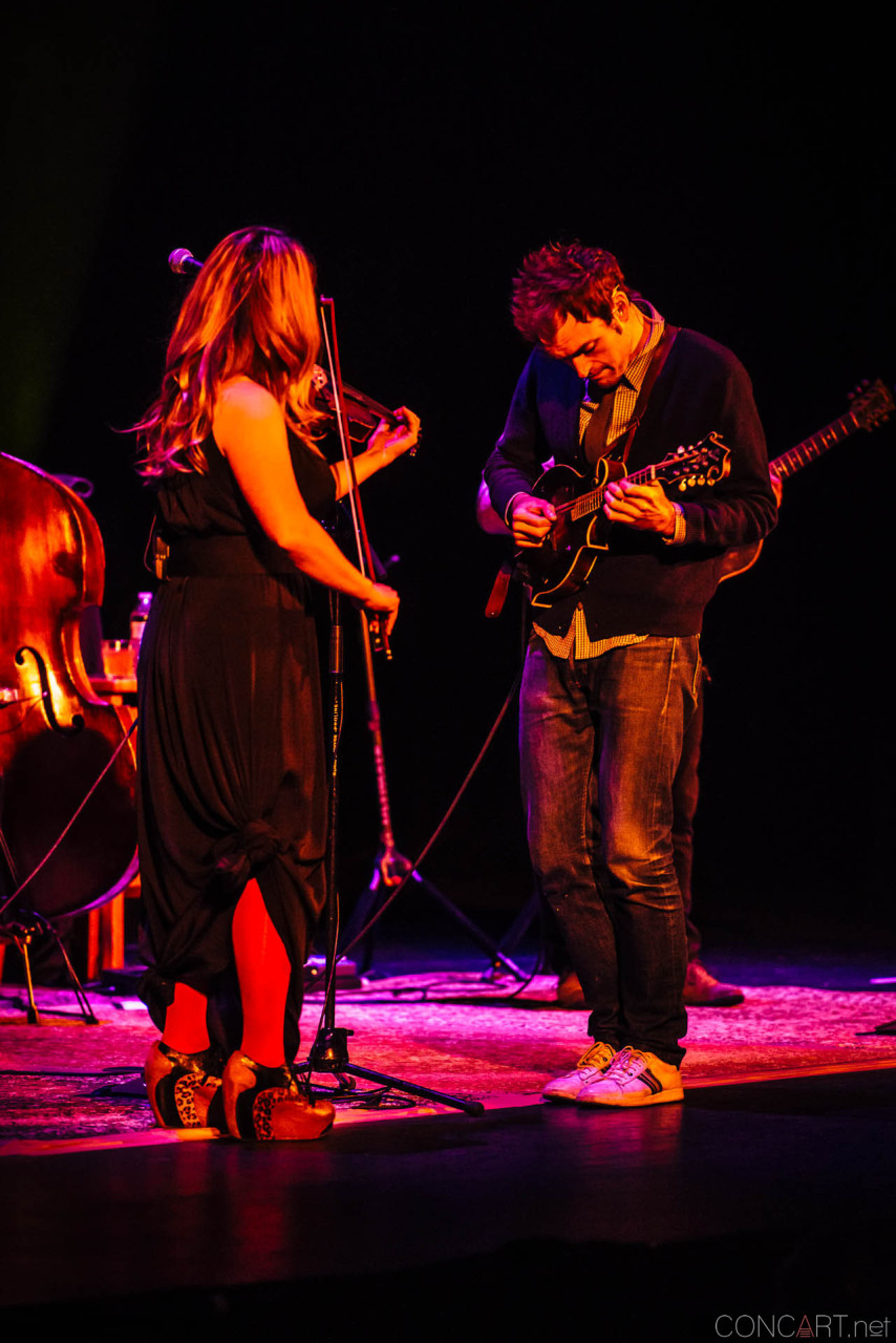 nickel_creek_old_national_centre_murat_theatre_indianapolis_2014-04