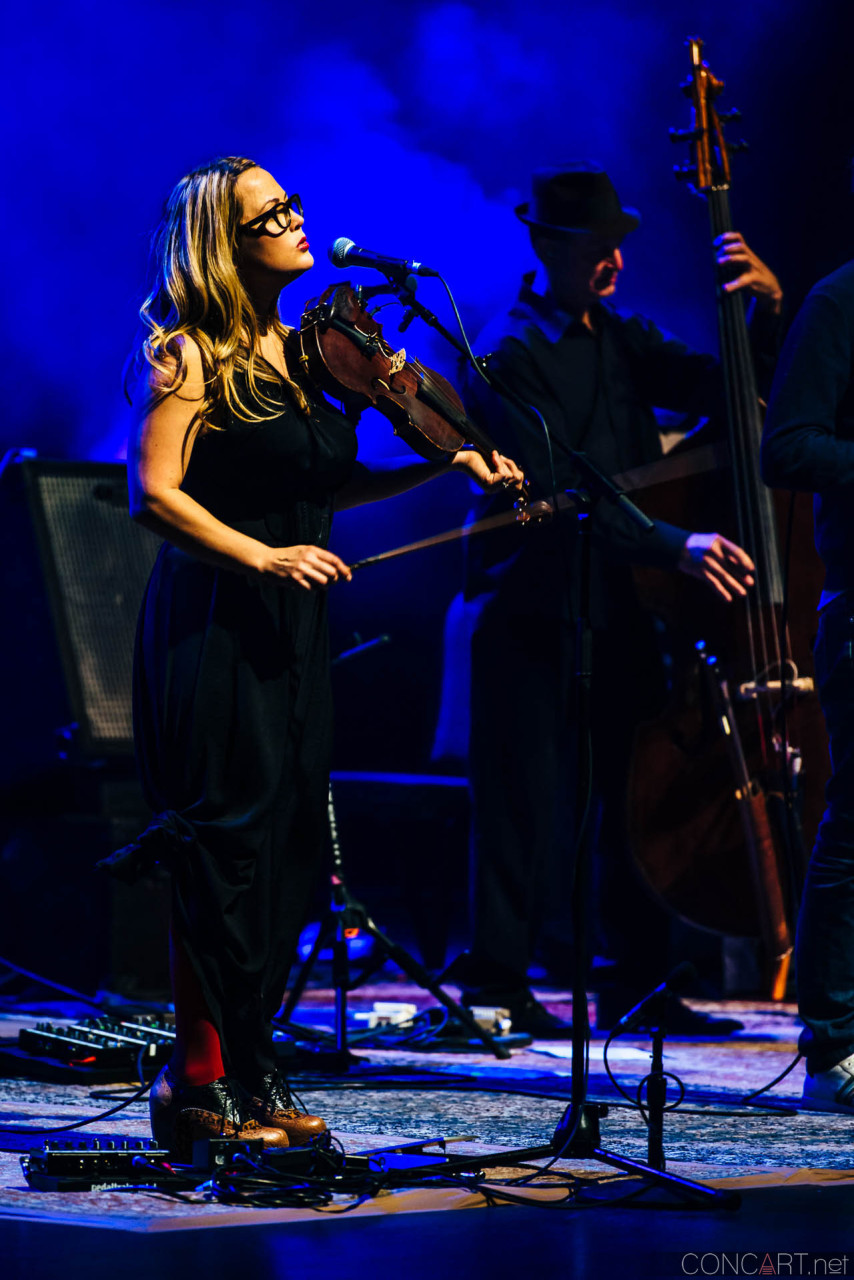 nickel_creek_old_national_centre_murat_theatre_indianapolis_2014-10