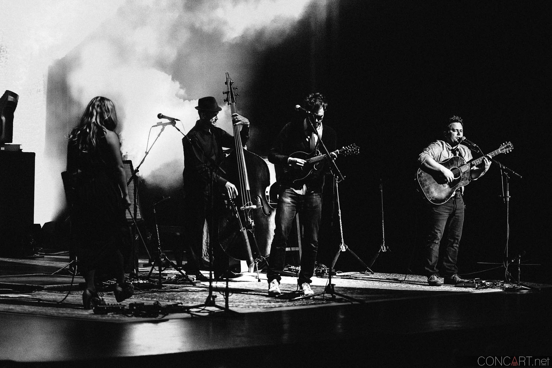 nickel_creek_old_national_centre_murat_theatre_indianapolis_2014-20