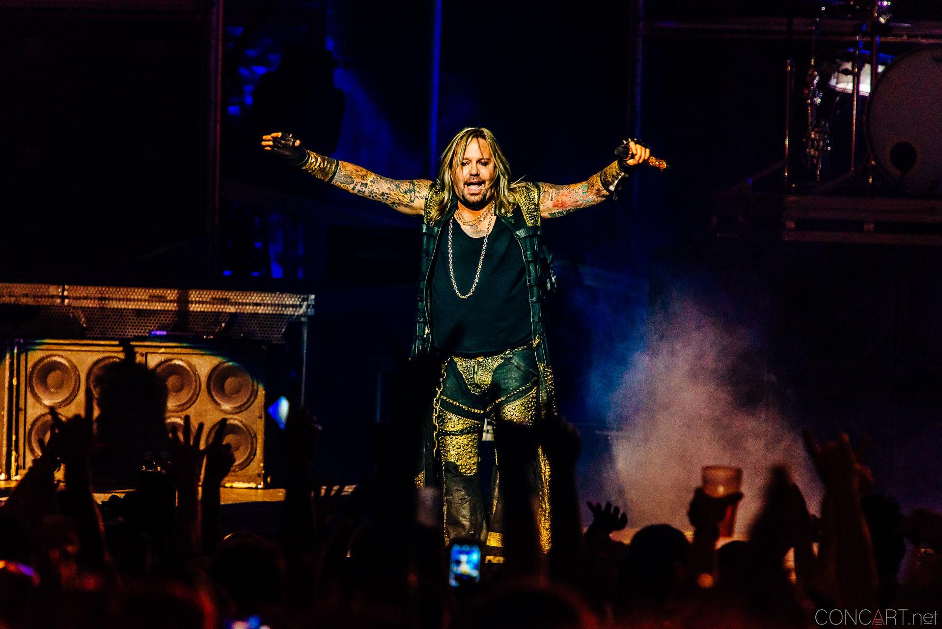 Mötley Crüe photo by Sean Molin 1