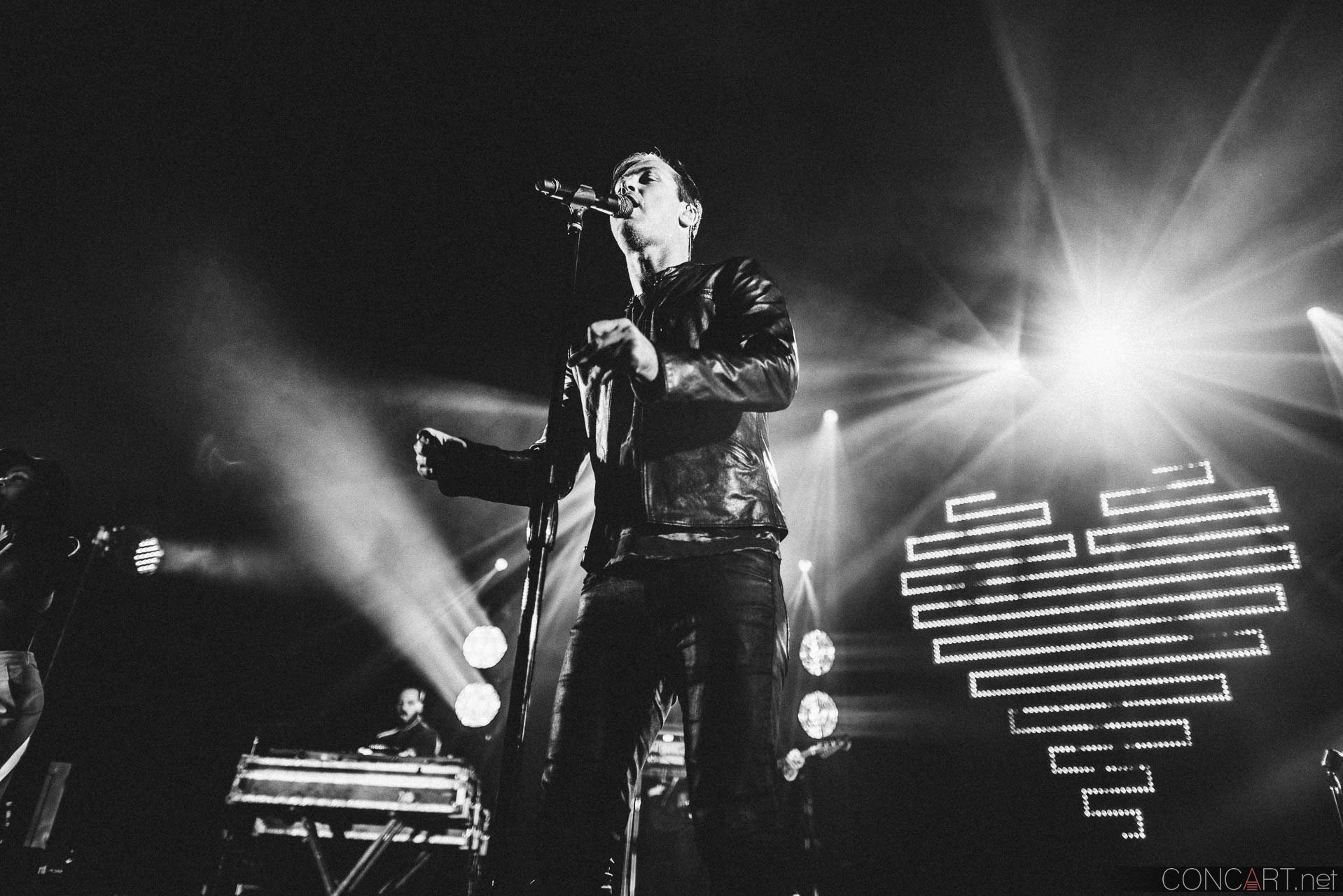 Fitz And The Tantrums photo by Sean Molin 30