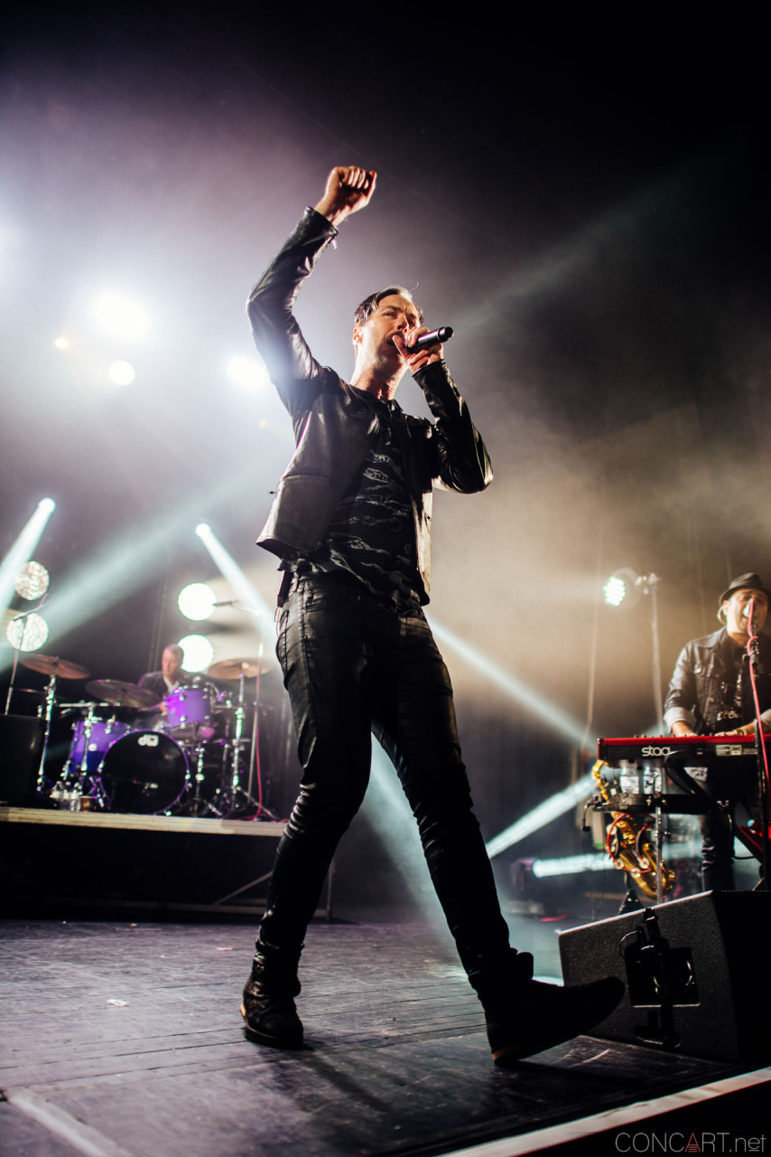 Fitz And The Tantrums photo by Sean Molin 3