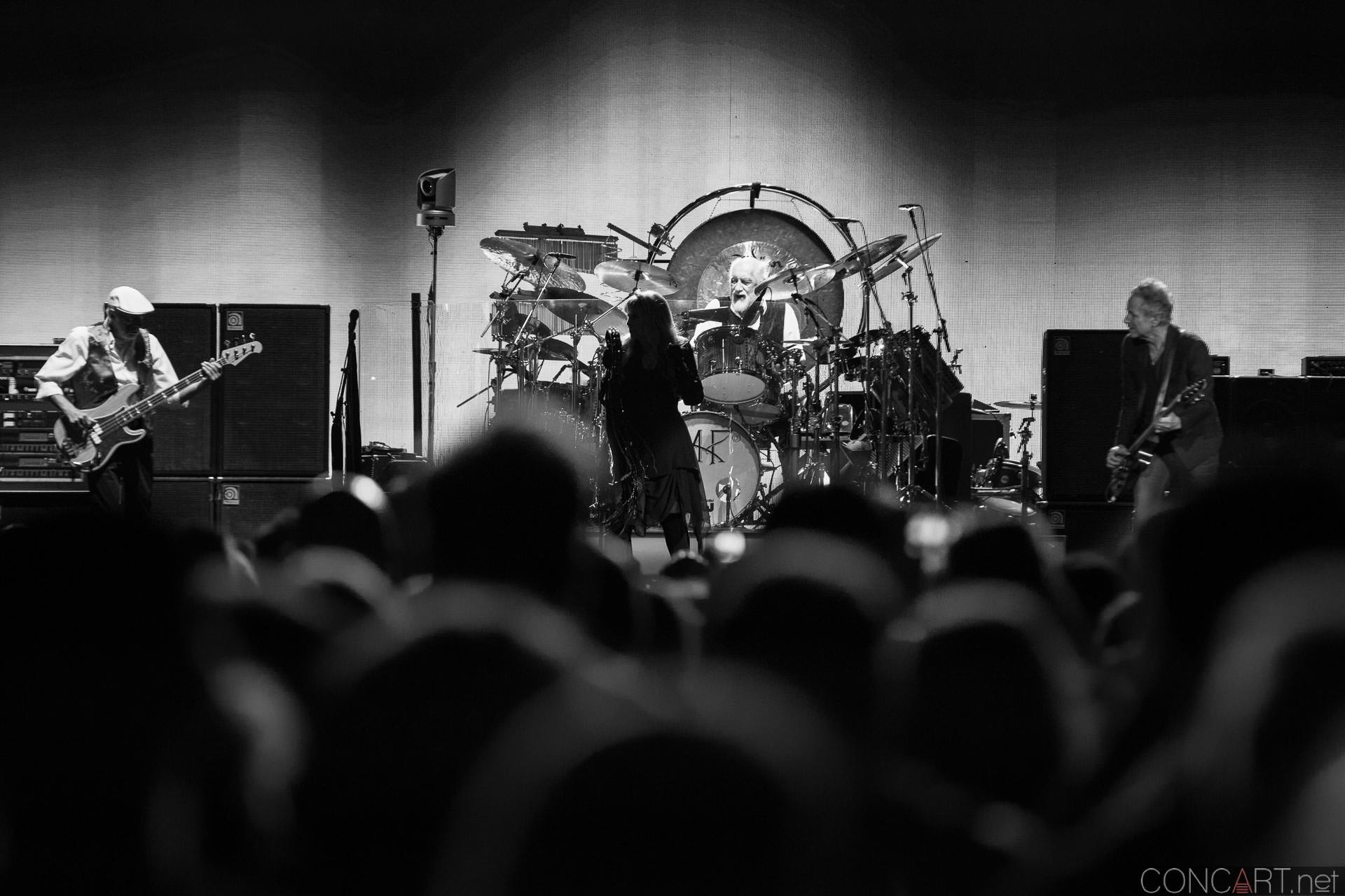 005-fleetwood-mac-live-indianapolis-bankers-life-fieldhouse-2014