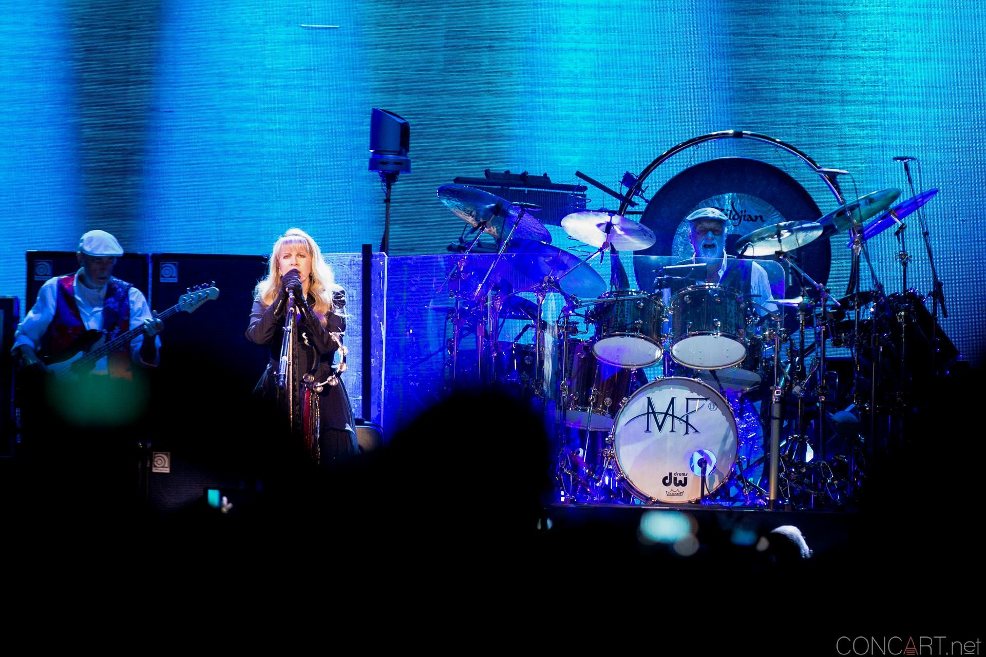 008-fleetwood-mac-live-indianapolis-bankers-life-fieldhouse-2014