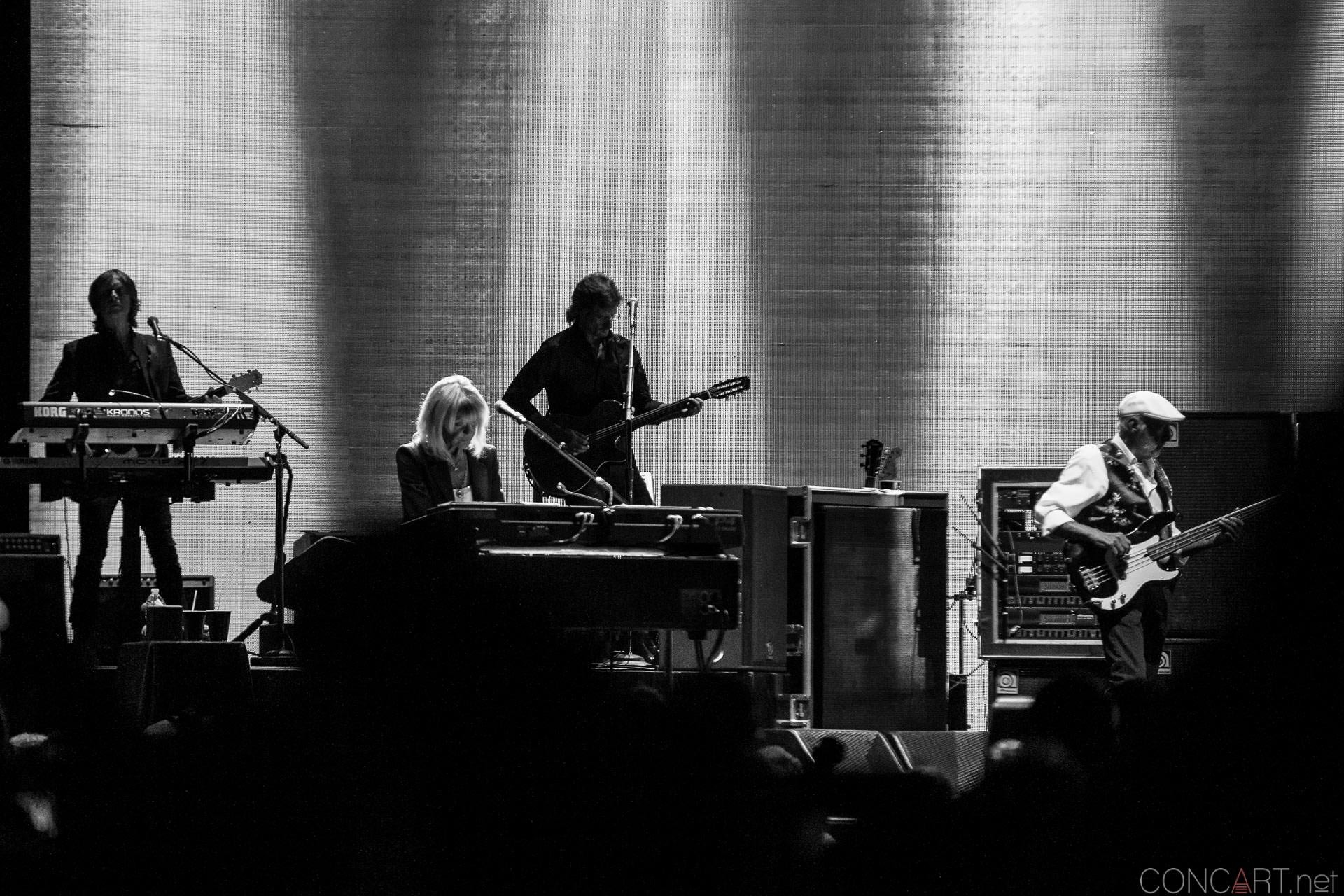 009-fleetwood-mac-live-indianapolis-bankers-life-fieldhouse-2014