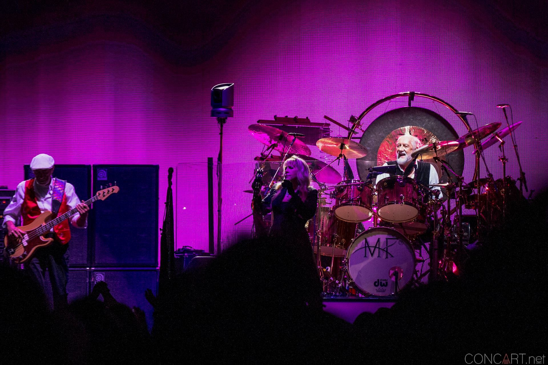013-fleetwood-mac-live-indianapolis-bankers-life-fieldhouse-2014