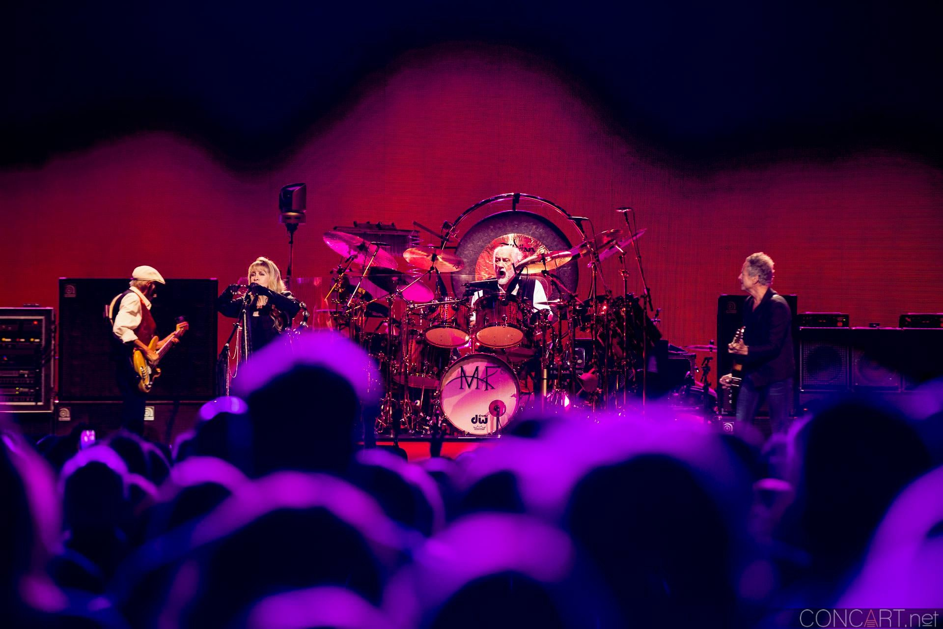014-fleetwood-mac-live-indianapolis-bankers-life-fieldhouse-2014