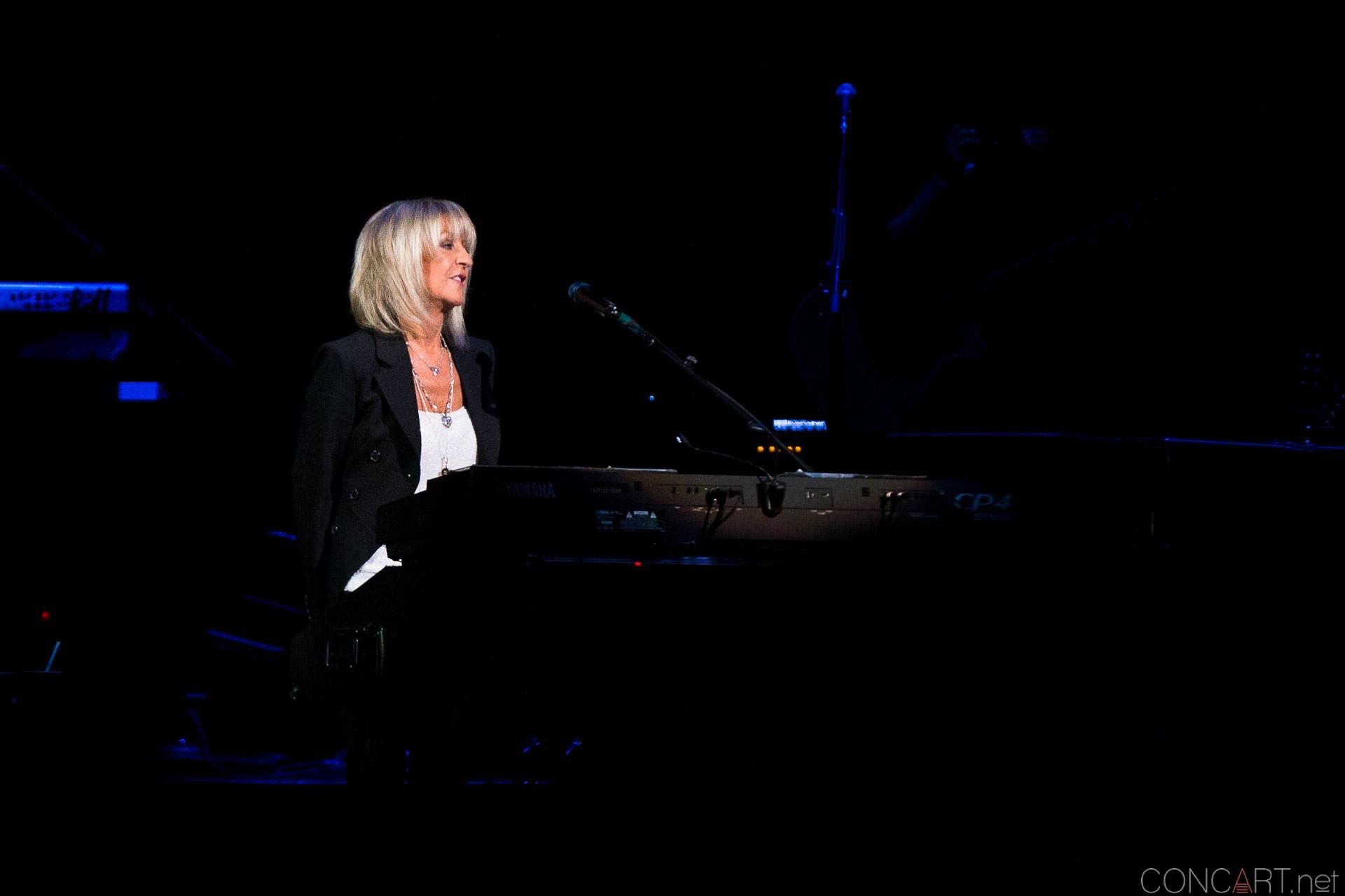 015-fleetwood-mac-live-indianapolis-bankers-life-fieldhouse-2014