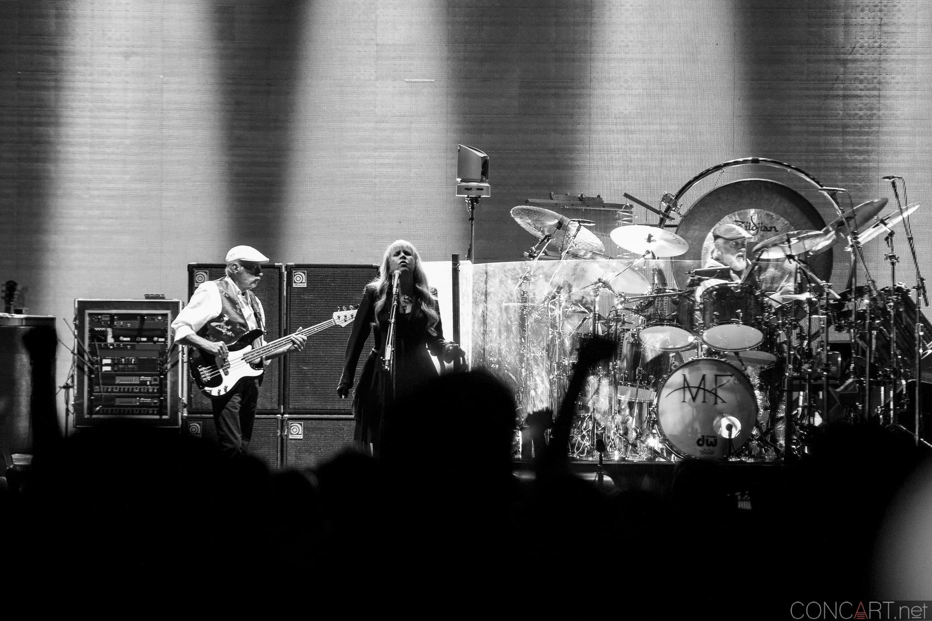 016-fleetwood-mac-live-indianapolis-bankers-life-fieldhouse-2014