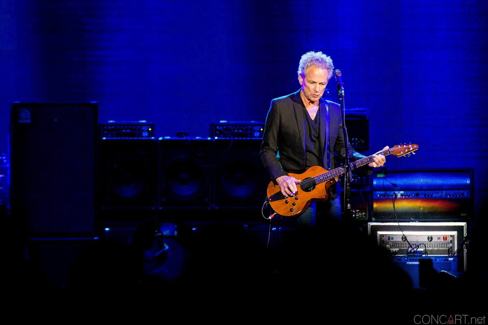 018-fleetwood-mac-live-indianapolis-bankers-life-fieldhouse-2014