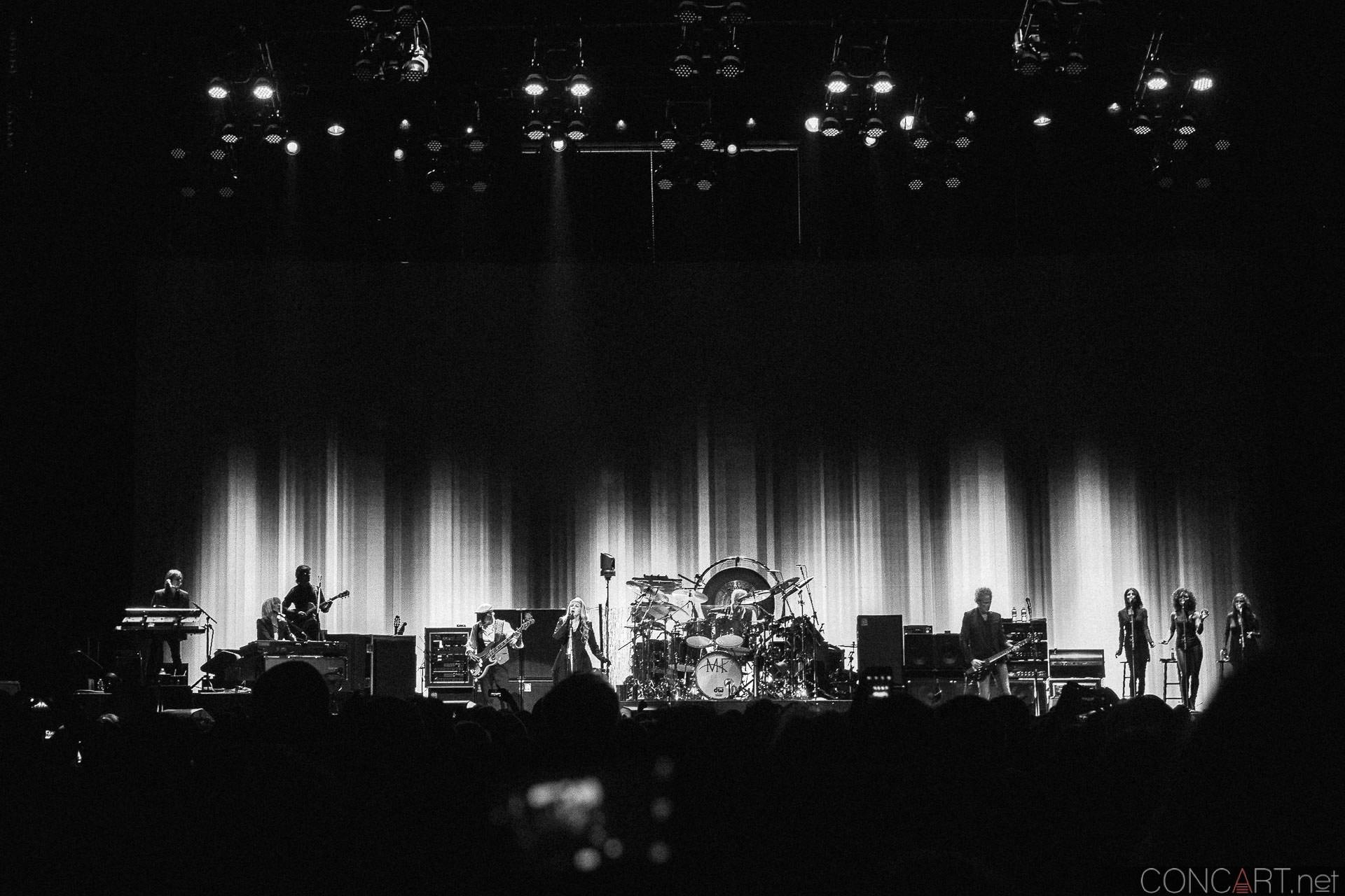 019-fleetwood-mac-live-indianapolis-bankers-life-fieldhouse-2014