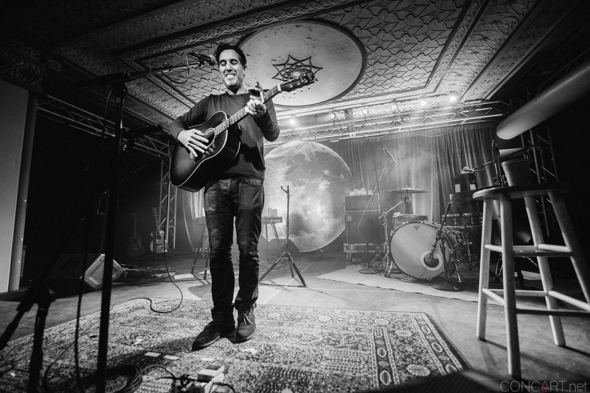 Joshua Radin photo by Sean Molin 13