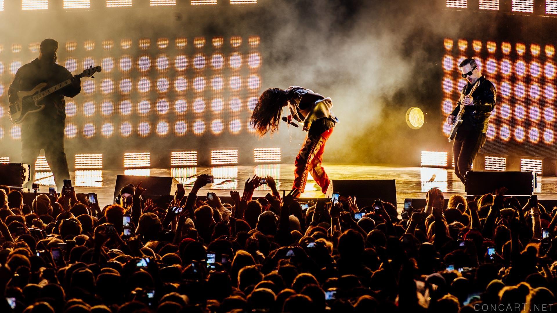 Rihanna photo by Sean Molin 10