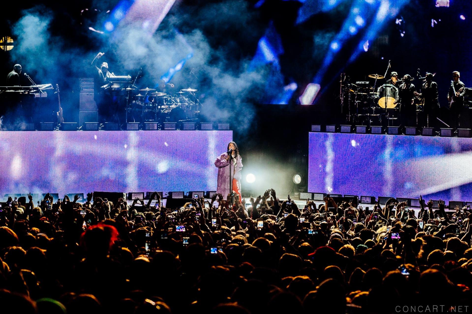 Rihanna photo by Sean Molin 21