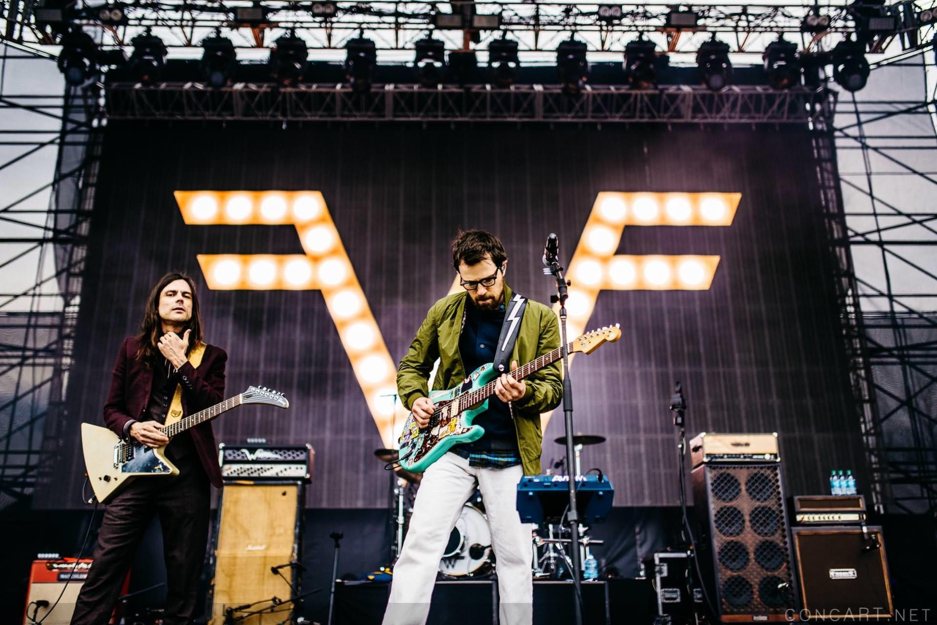 Weezer photo by Sean Molin 2