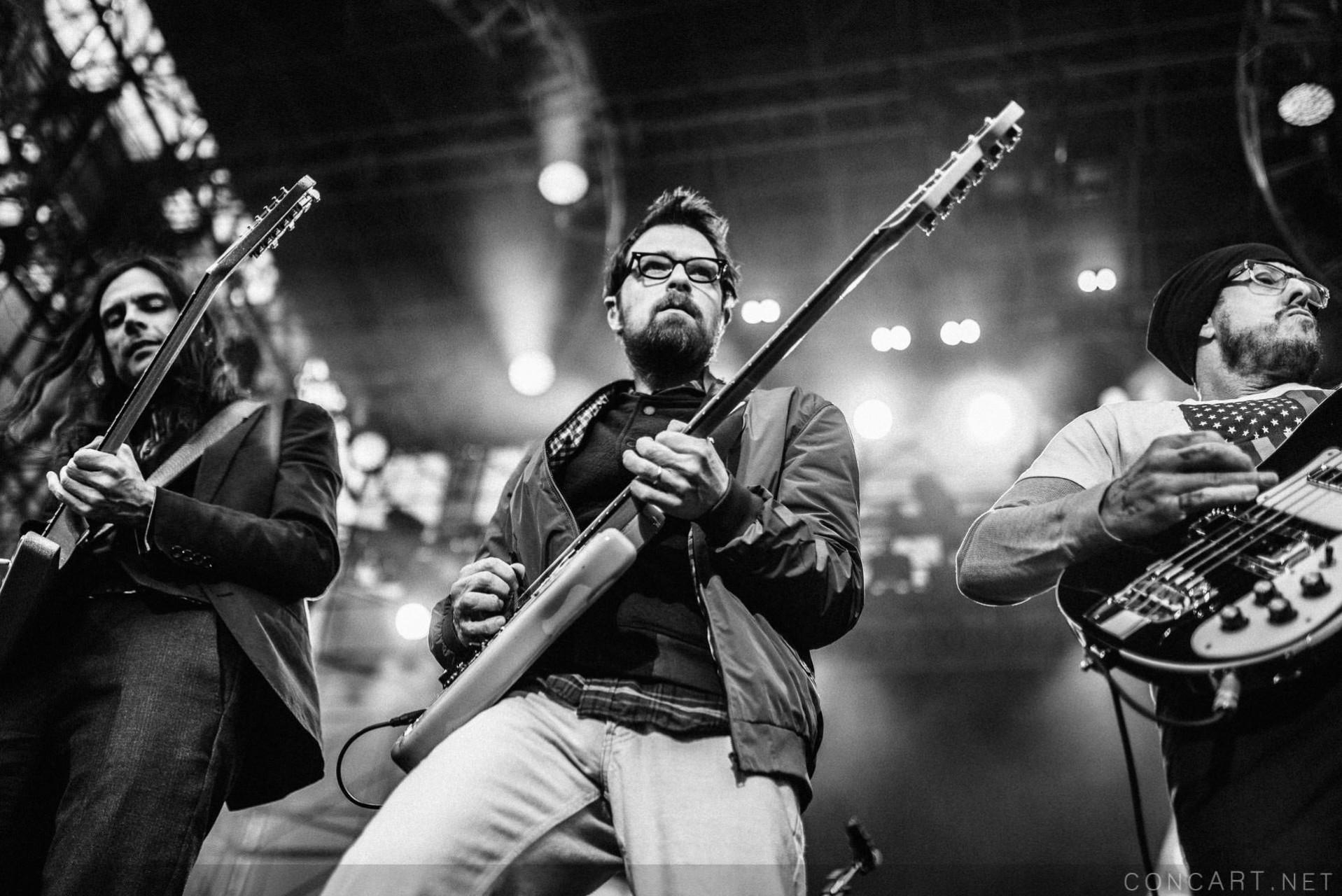 Weezer photo by Sean Molin 4