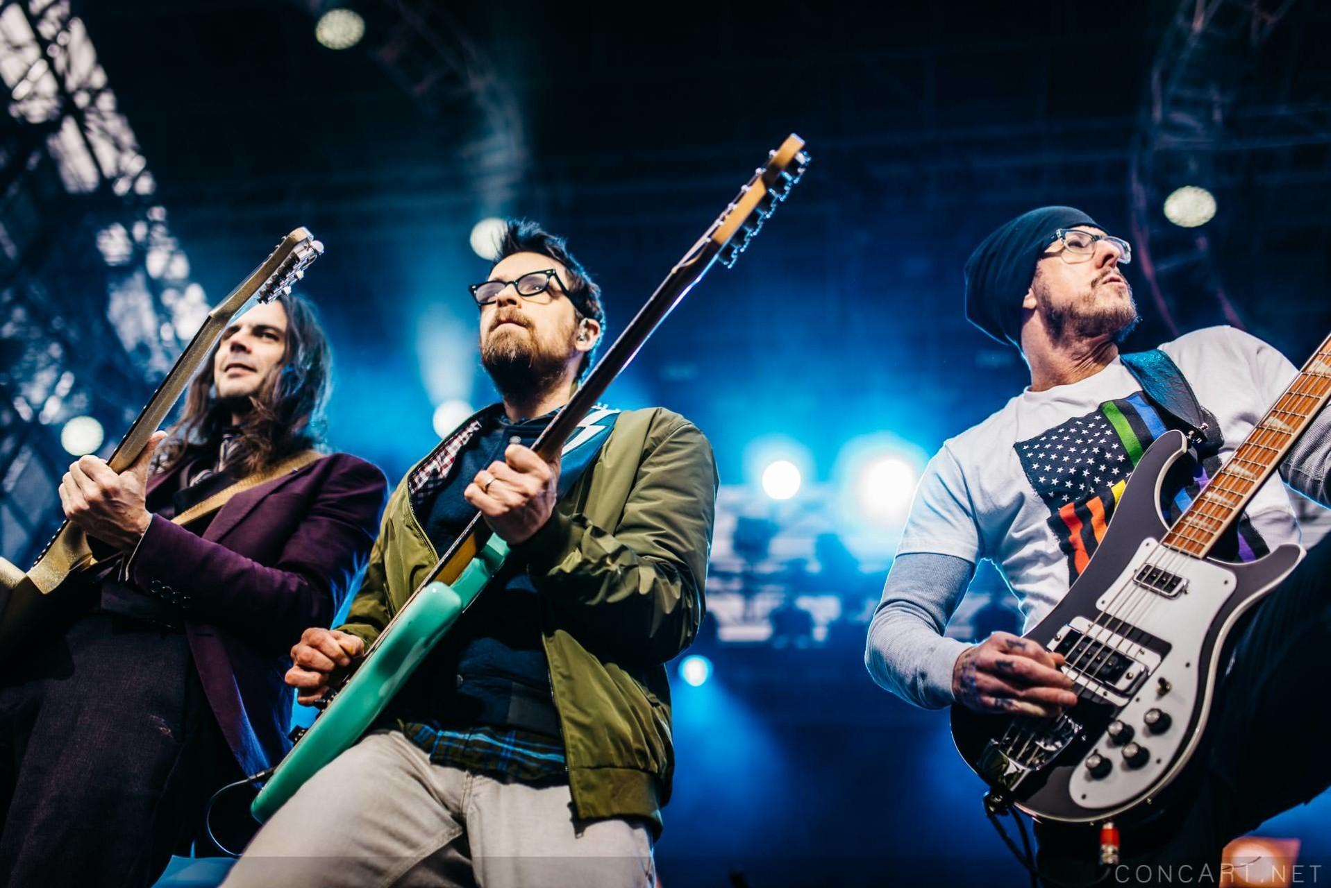 Weezer photo by Sean Molin 5