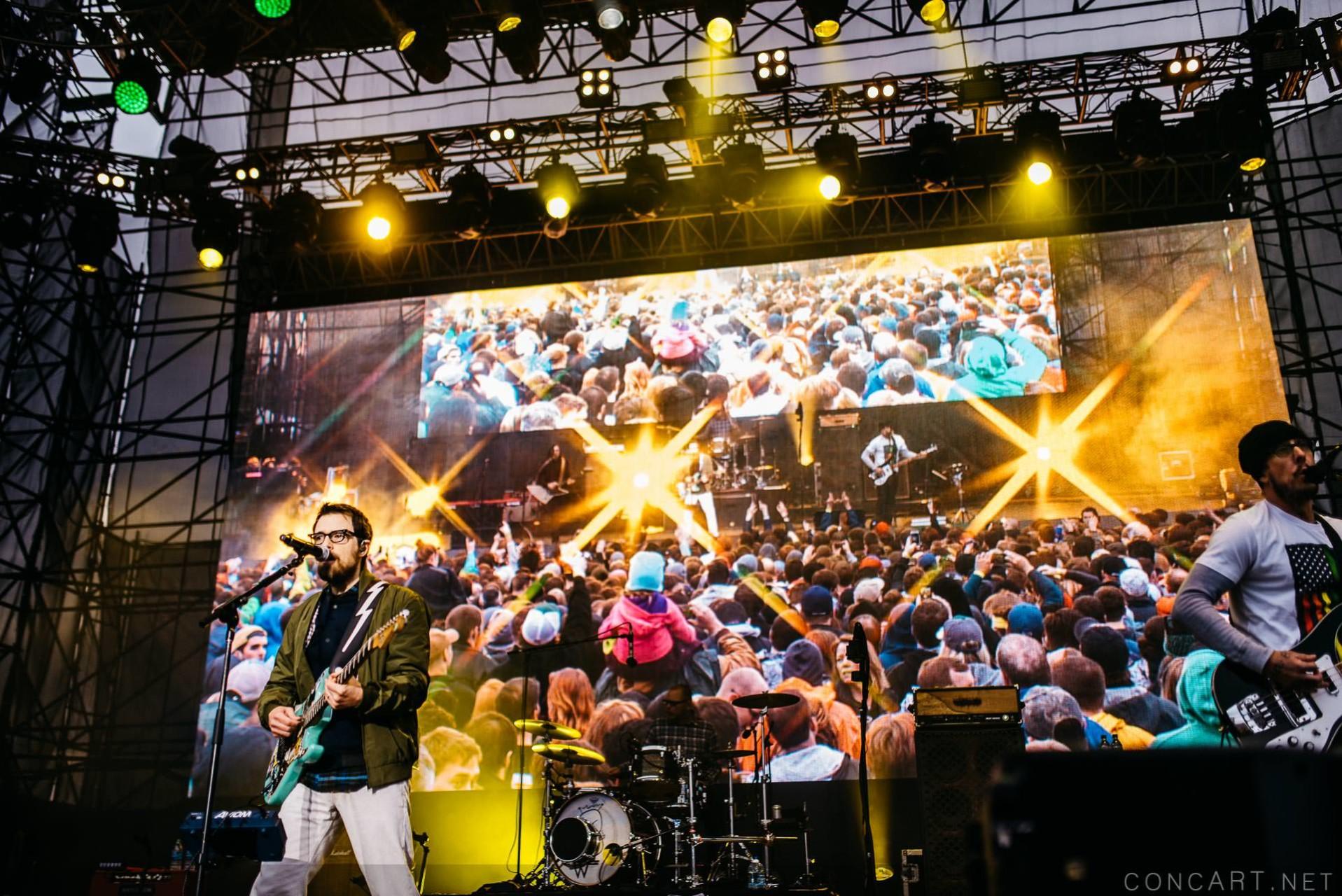 Weezer photo by Sean Molin 23