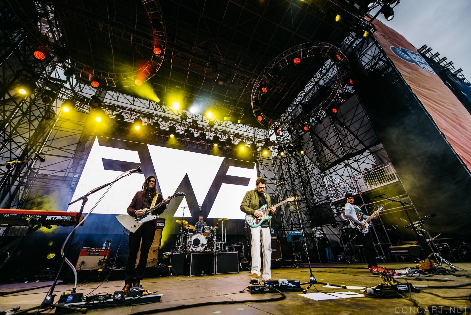 Weezer photo by Sean Molin 26
