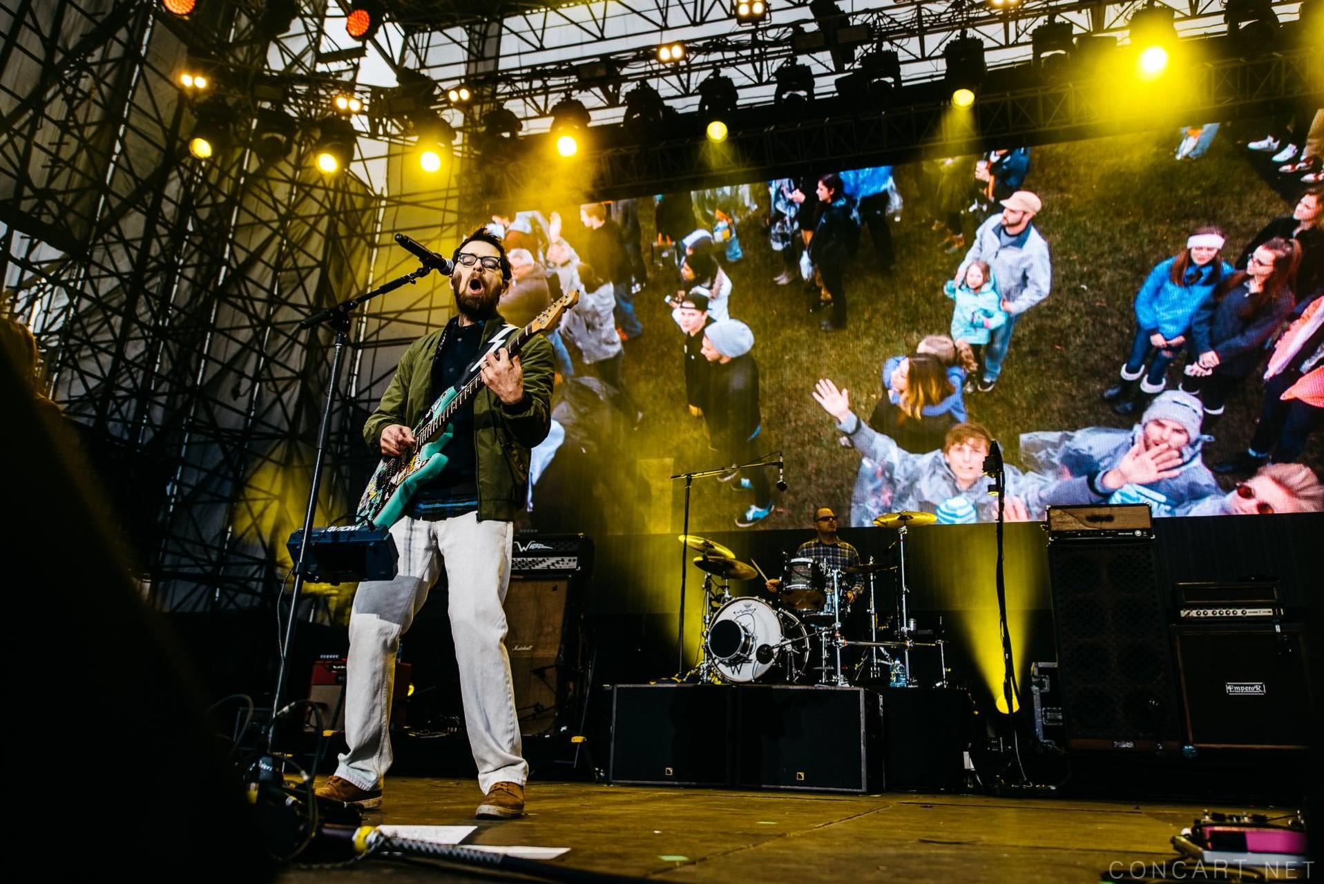 Weezer photo by Sean Molin 36