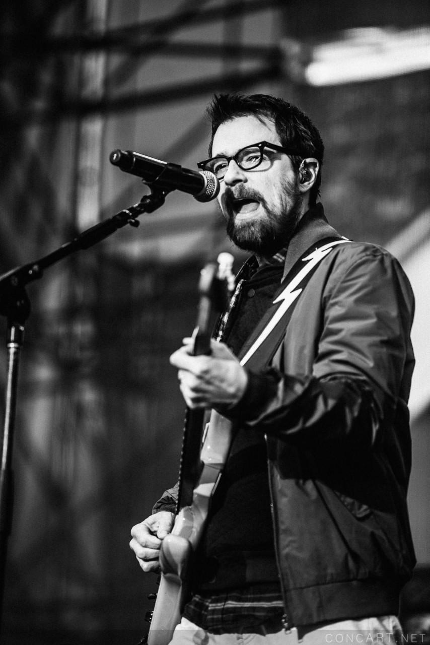 Weezer photo by Sean Molin 37