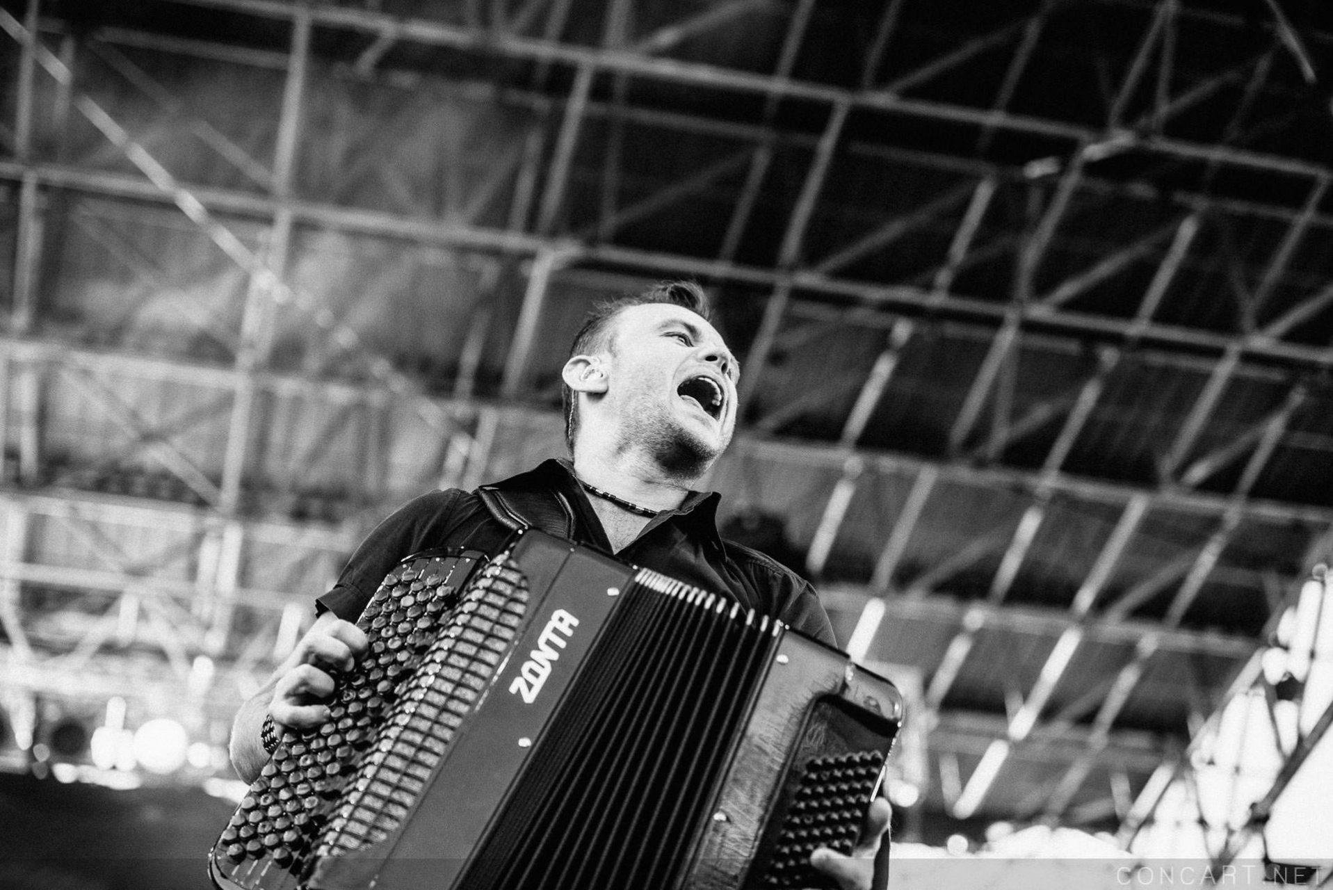 Gogol Bordello photo by Sean Molin 40