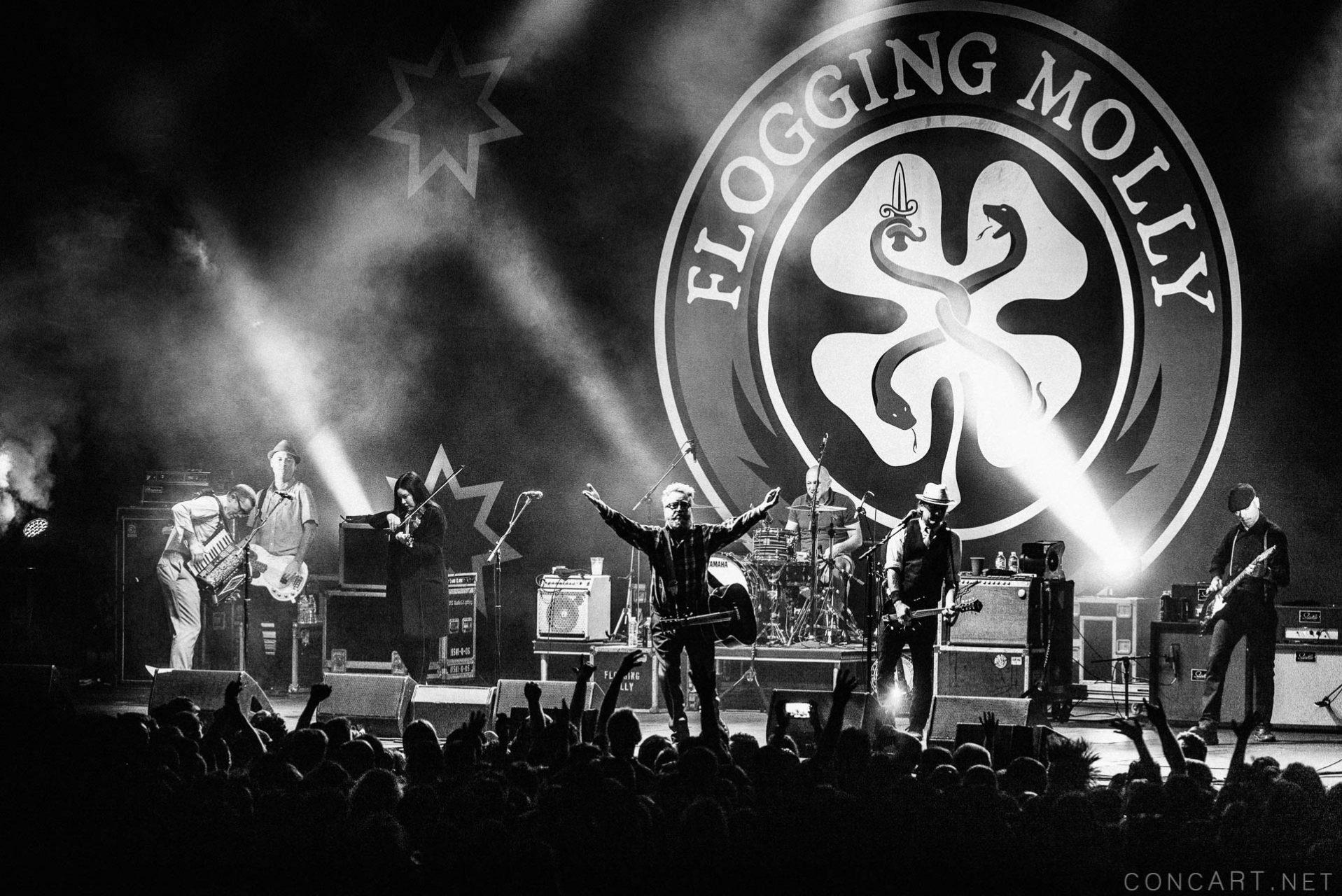 Flogging Molly photo by Sean Molin 27