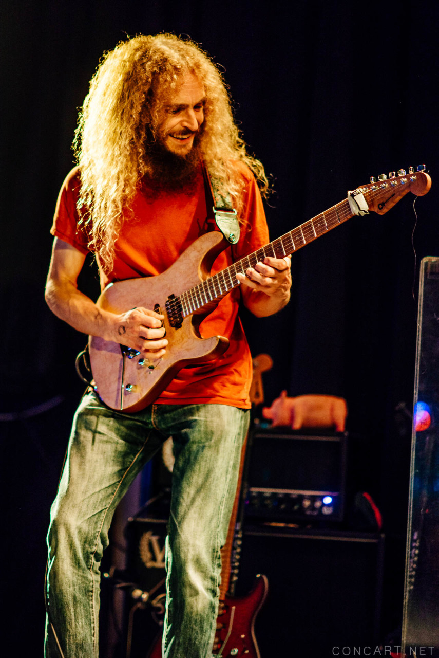 Guthrie govan erotic cakes review