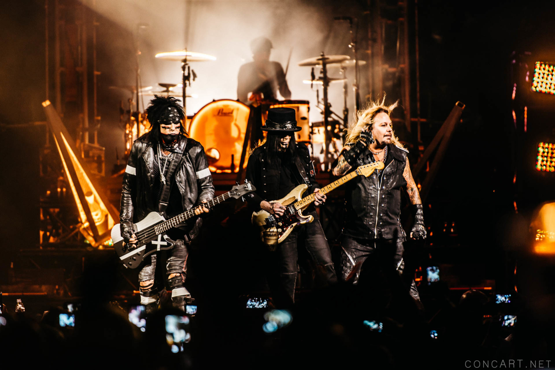 Mötley Crüe photo by Sean Molin 28