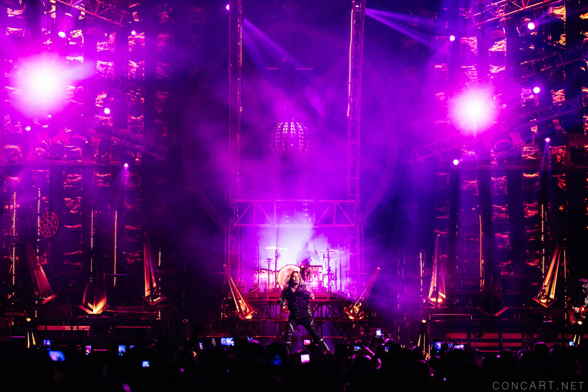 Mötley Crüe photo by Sean Molin 34