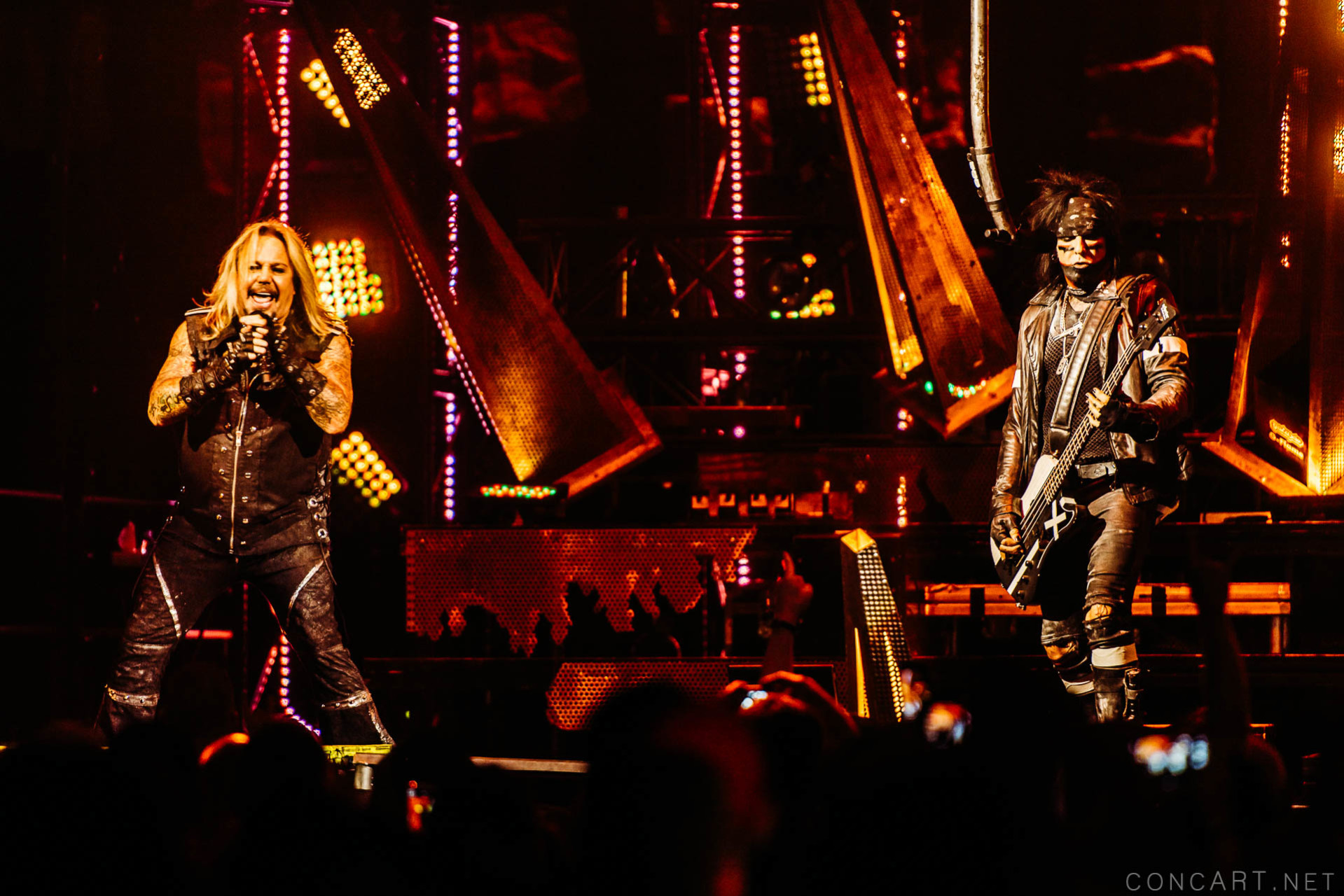 Mötley Crüe photo by Sean Molin 36