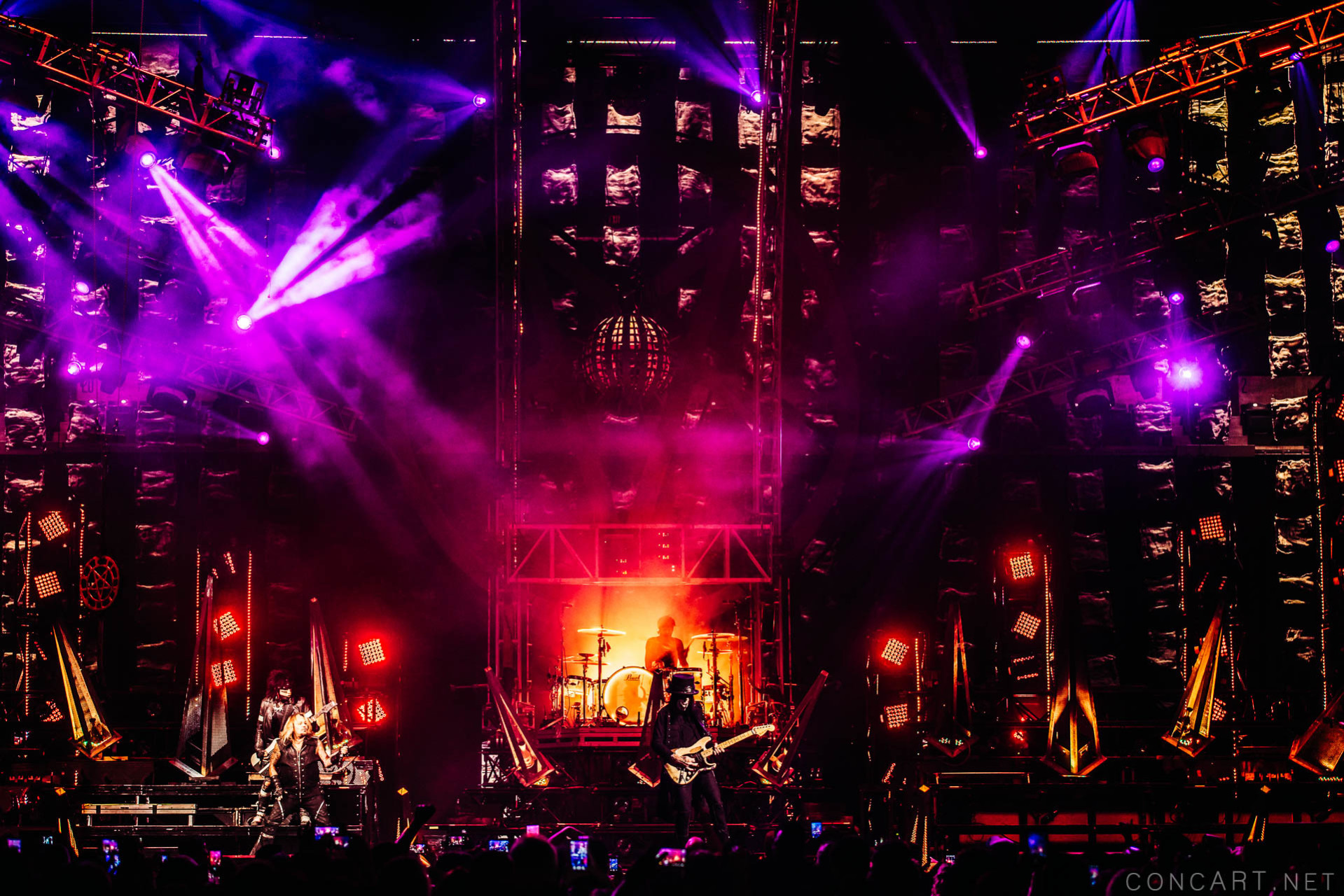 Mötley Crüe photo by Sean Molin 45