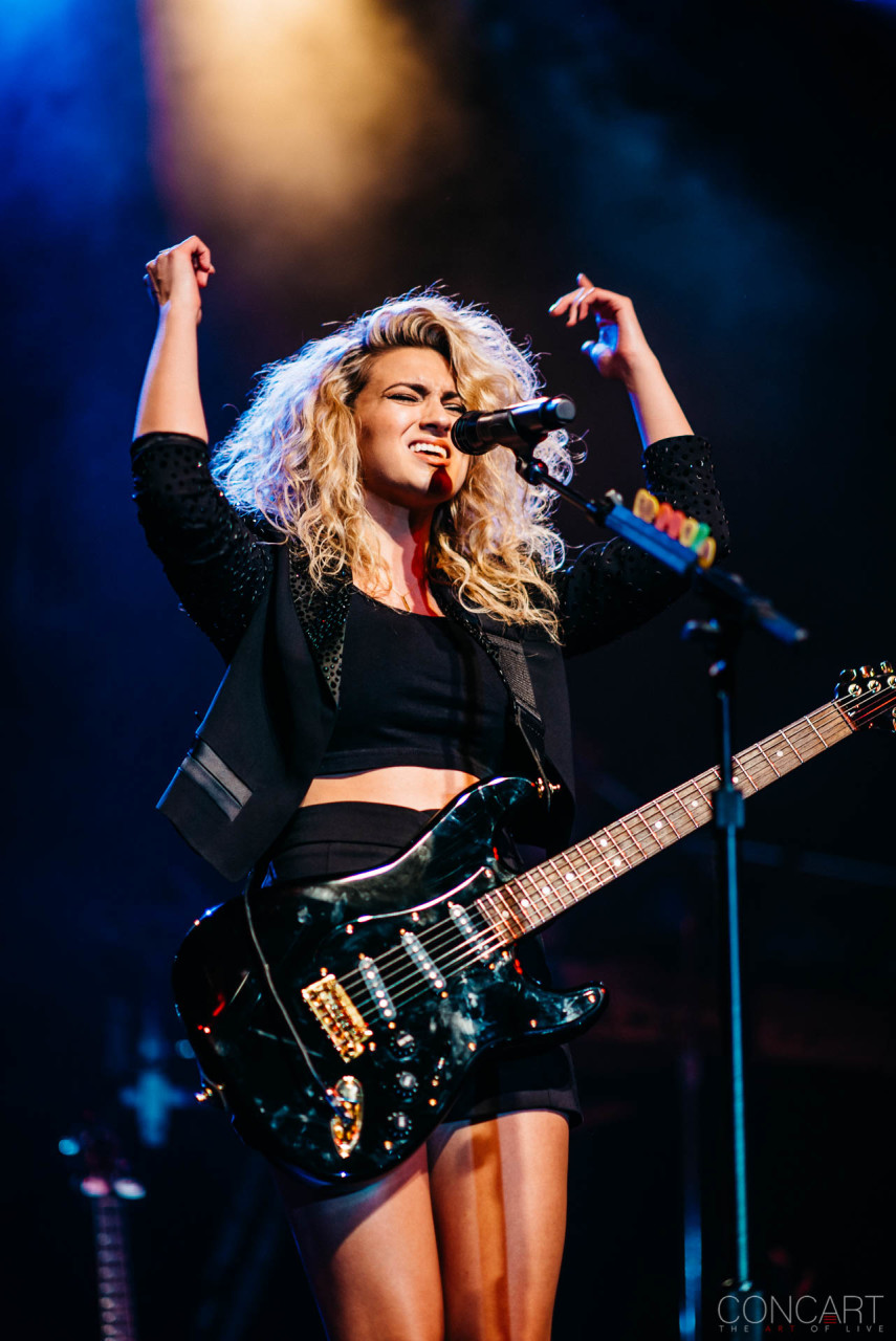 Tori Kelly photo by Sean Molin 14