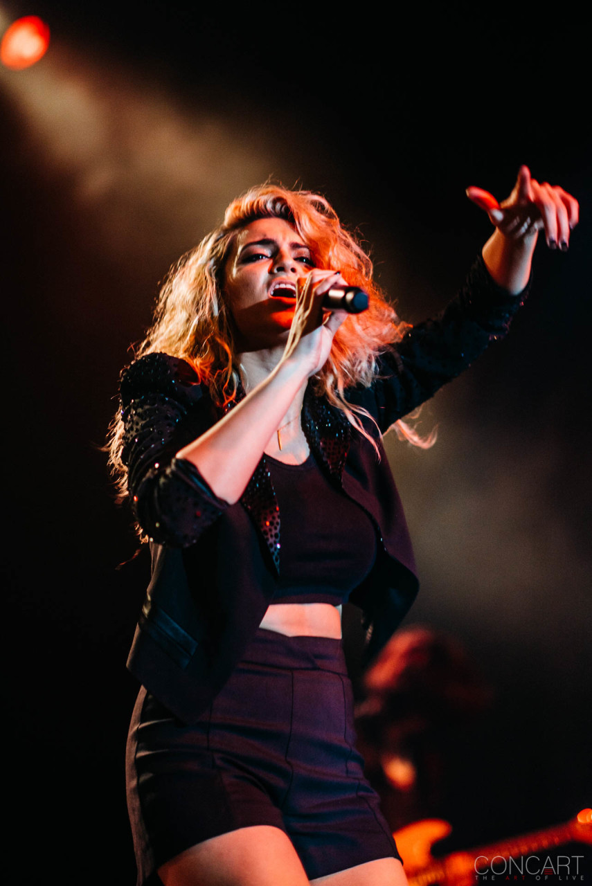 Tori Kelly photo by Sean Molin 36