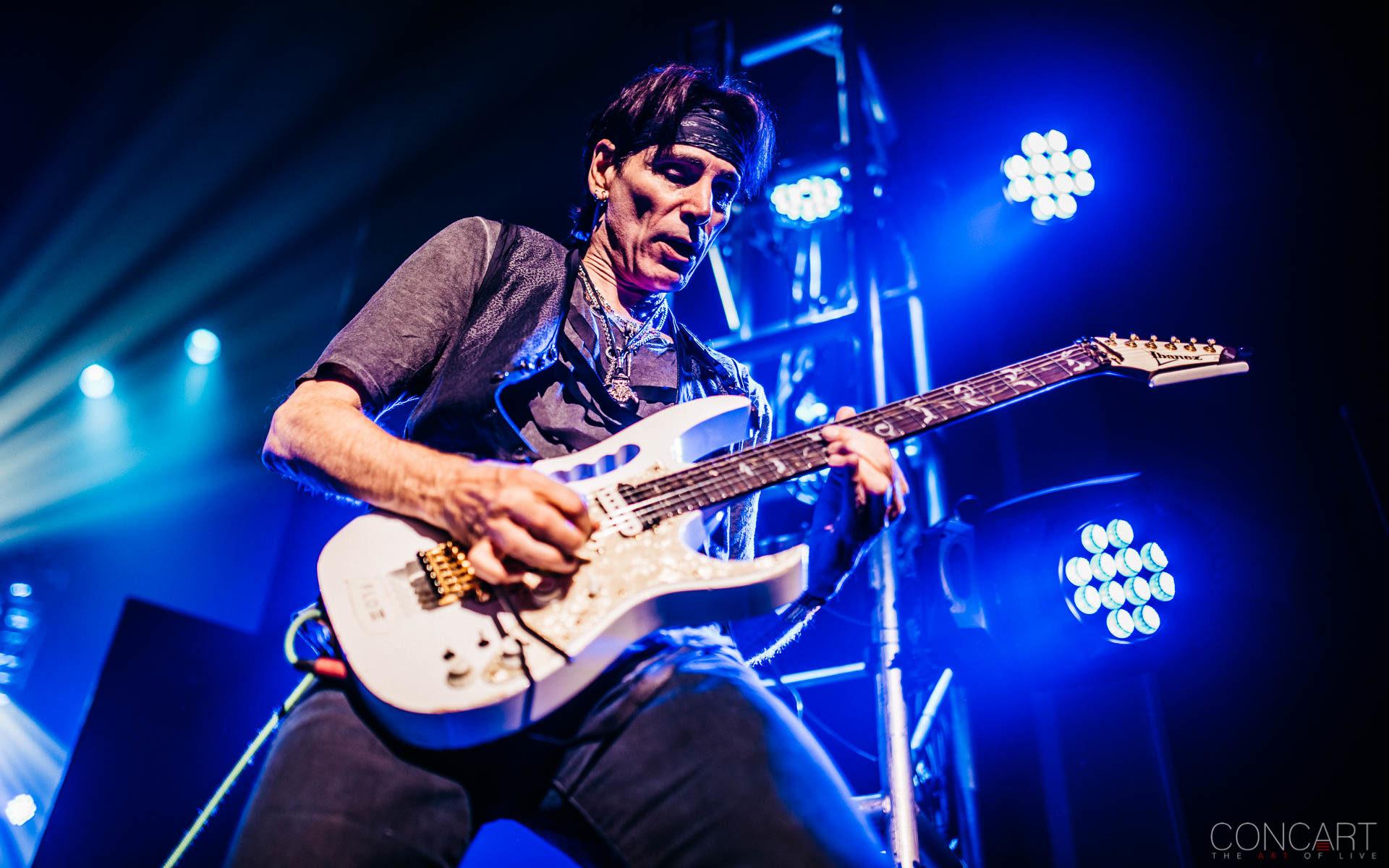 Steve Vai photo by Sean Molin 24