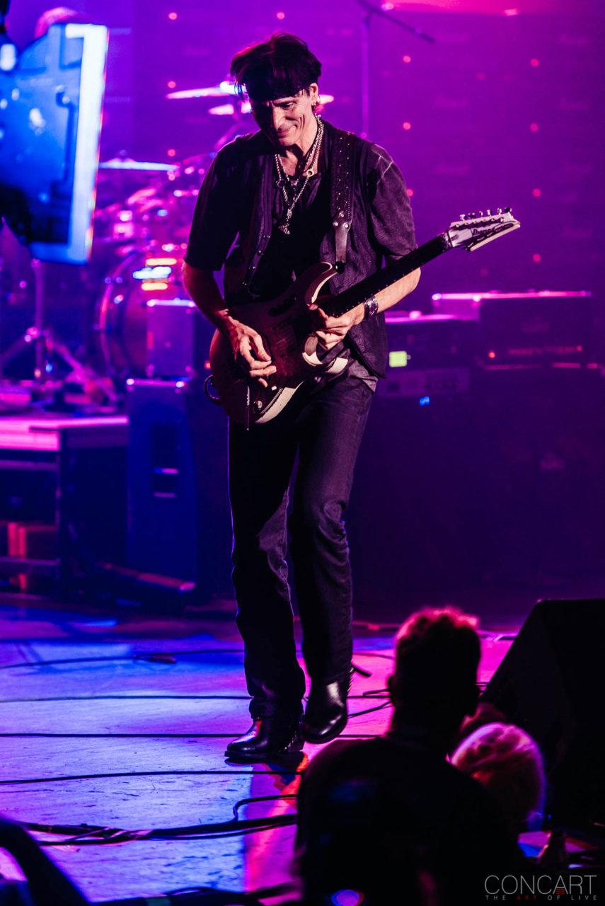 Steve Vai photo by Sean Molin 29