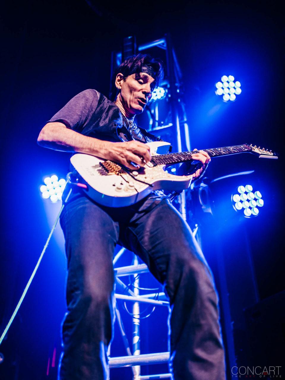 Steve Vai photo by Sean Molin 34